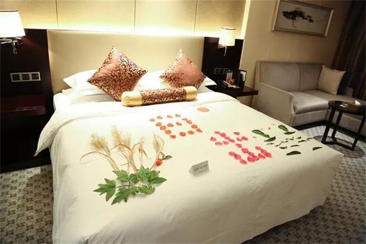 酒店这样的夜床你舍得睡吗—九龙晟创新服务大赛纪实图片